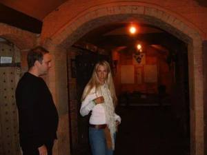 CJ and Jo-Dee on a ghost hunt!